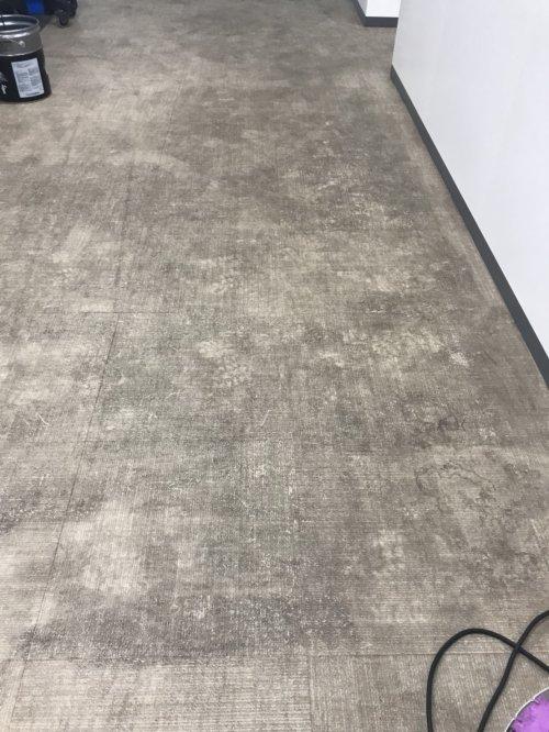 滋賀甲賀の工業団地の床クリーニングに一班お伺い致しました。