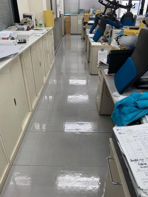 滋賀にて20年以上のお取引を頂いているお得意様の月に2度の定期清掃にお伺い致しました。