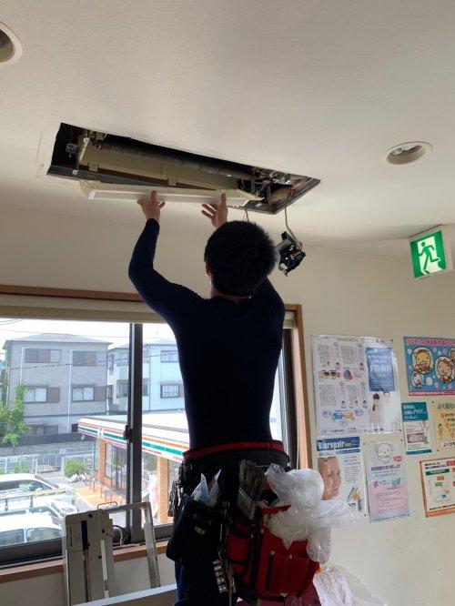 名古屋 大阪にて複数台のエアコンクリーニングにお伺い致しました。