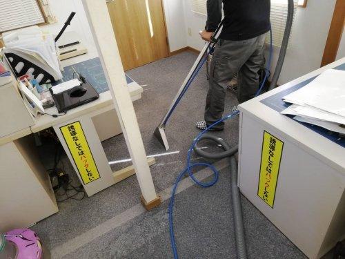 滋賀カーペット洗浄 定期清掃です。