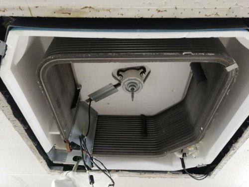大阪にてエアコン分解洗浄が終了致しました。滋賀のHIRAOにお任せ下さい。