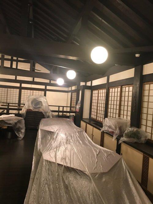 滋賀有名店の梁の清掃業務