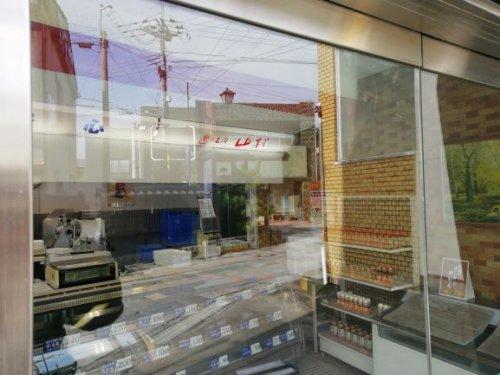 甲賀市の店舗様のガラス清掃が終了致しました。
