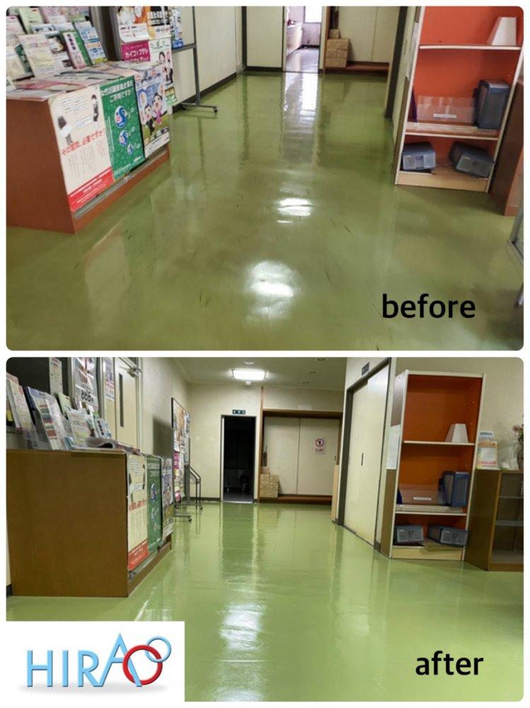 滋賀県湖南市にあります施設様にて床の剥離、ワックス掛けです。